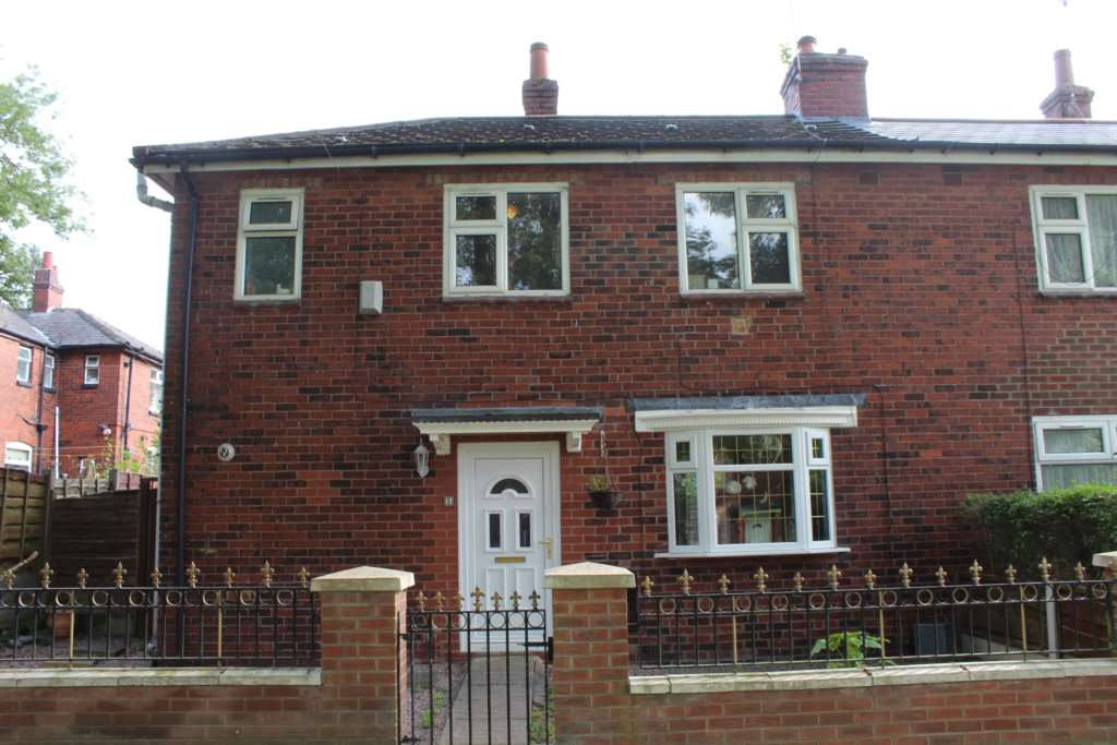 Aadams Estate Agents - 3 Bedroom Semi-Detached, Houghton Avenue, Hollins