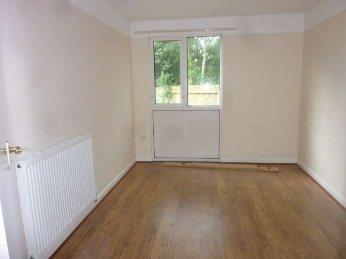 Ace Properties - 1 Bedroom Flat, Woodfield, Bamber Bridge