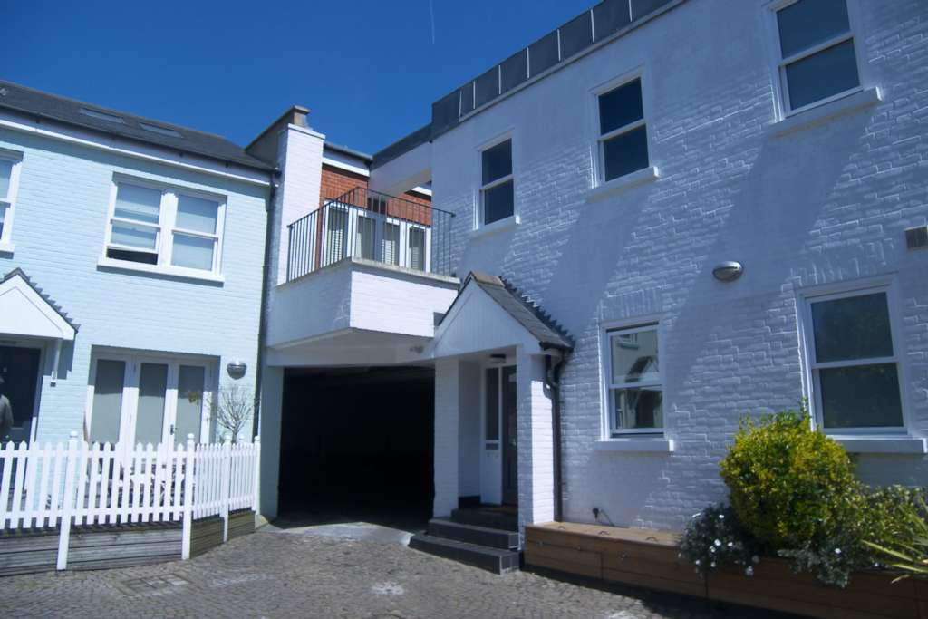 Property To Rent Giggs Hill Road, Thames Ditton