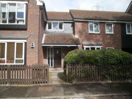 Studio, Chardwell Close, Beckton