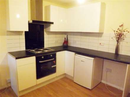 3 Bedroom Flat, Pycroft Way, Lower Edmonton