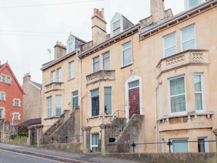 5 Bedroom Terrace, Station Road, Lower Weston