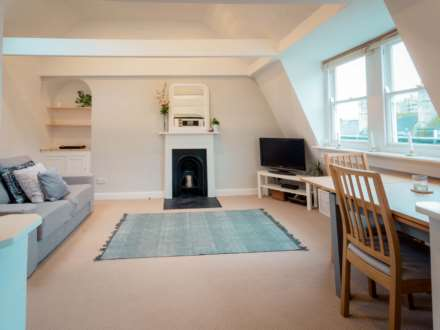 1 Bedroom Apartment, Russell Street, Bath