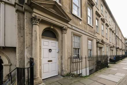 2 Bedroom Apartment, Bladud Buildings, Bath