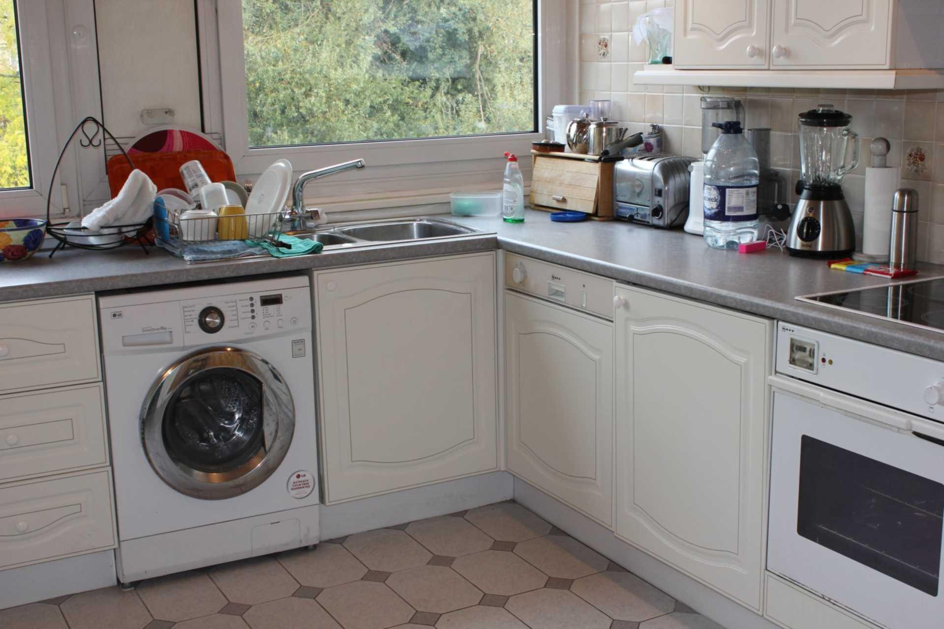 Burwood Marsh - 3 Bedroom Maisonette, Siskin House, Surrey Quays, SE16 2NL