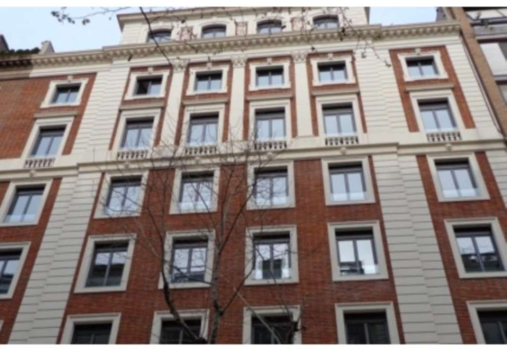 Charles Derby Estates - 3 Bedroom Flat, C/ Mestre Nicolau, Barcelona, Spain