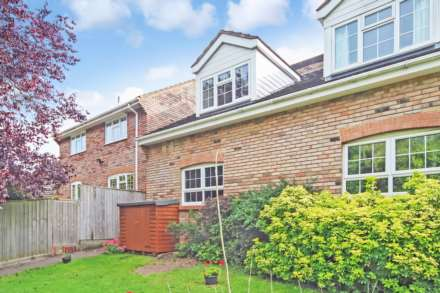 1 Bedroom Cluster House, Hunters Close, Tring