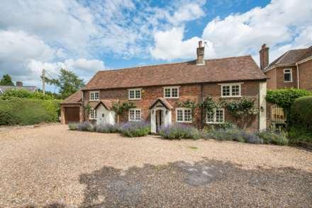 4 Bedroom Cottage, Chesham Road, Wigginton, Hertfordshire