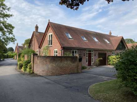 4 Bedroom Barn Conversion, Park Road, Tring, Hertfordshire