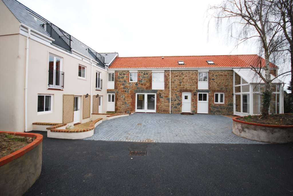 Cambridge Court - Available For Investment Only