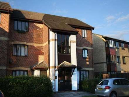1 Bedroom Flat, Pennyroyal Court, Reading