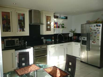 2 Bedroom Apartment, Erebus Drive, Royal Artillery Quays, Riverside