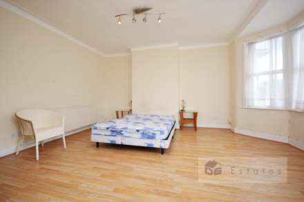 2 Bedroom Terrace, Dunbar Road, Wood Green