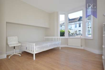 Property To Rent Parkhurst Road, Bowes Park, London