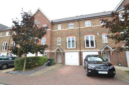 3 Bedroom Town House, Cavendish Walk, Epsom, KT19 8AP