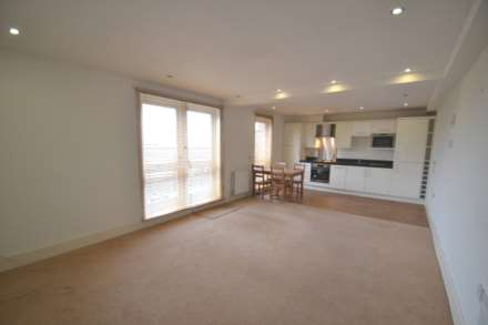 2 Bedroom Apartment, High Street, Epsom, KT19 8AH