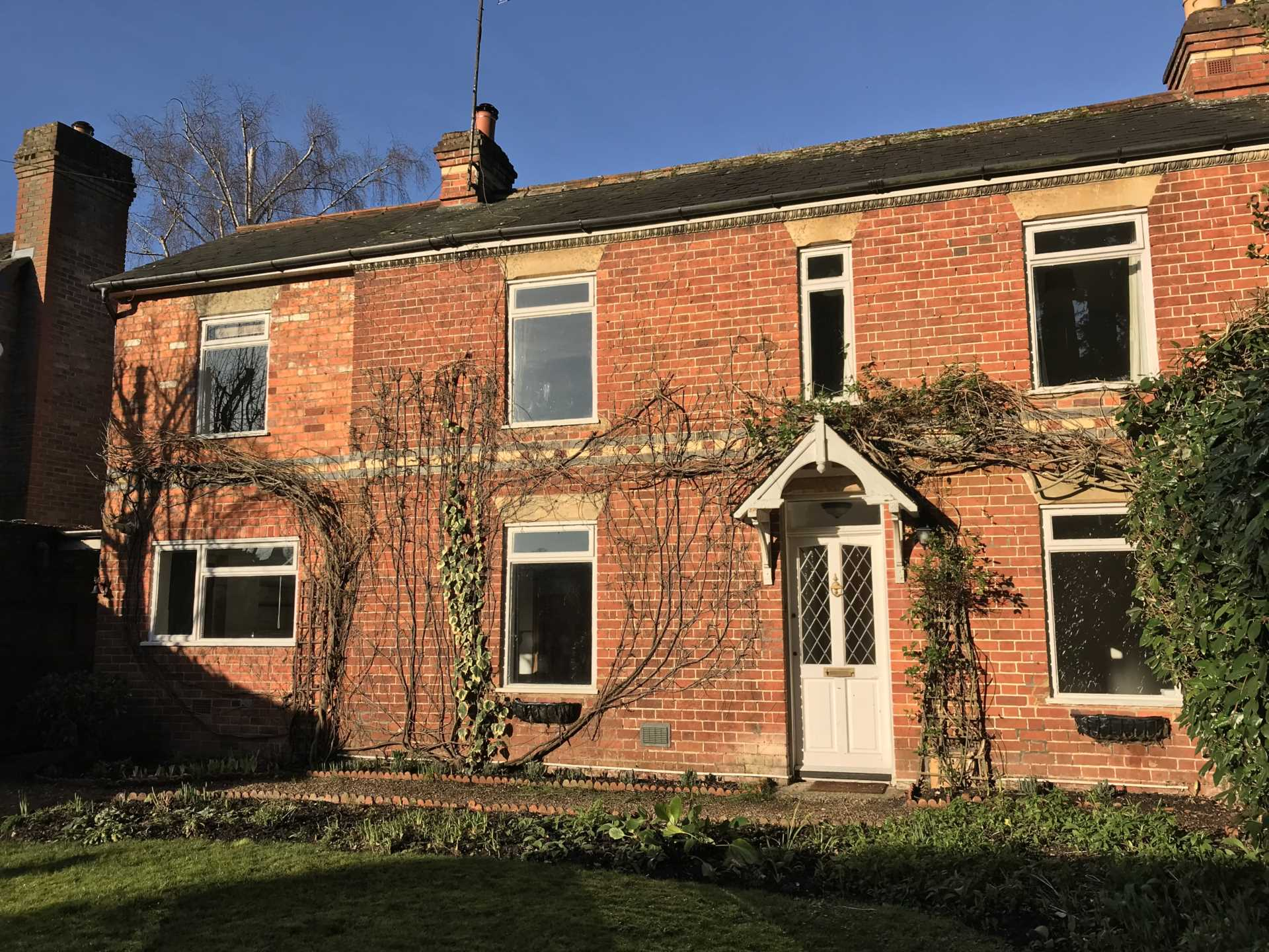 Dudley Singleton and Daughter - 2 Bedroom Semi-Detached, Whitchurch on Thames