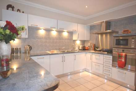 1 Bedroom Apartment, Fisher Court, Brentwood