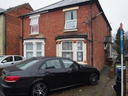 5 Bedroom Semi-Detached, Roberts Road, High Wycombe