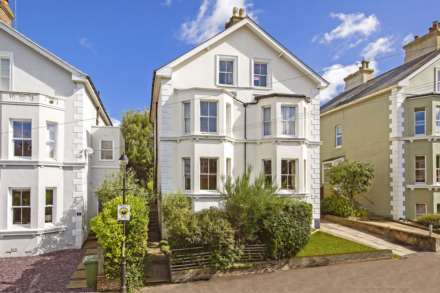 4 Bedroom Semi-Detached, Stone Street, Tunbridge Wells