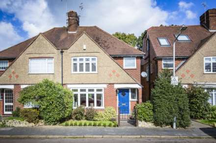 3 Bedroom Semi-Detached, Crendon Park, Southborough