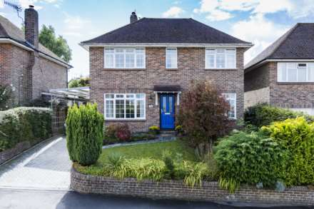 4 Bedroom Detached, Hillcrest, Southborough