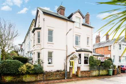 4 Bedroom Semi-Detached, Claremont Road, Tunbridge Wells