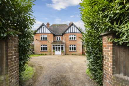 4 Bedroom Detached, London Road, Tunbridge Wells