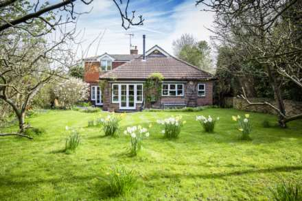 5 Bedroom Detached, Henwood Green Road, Pembury