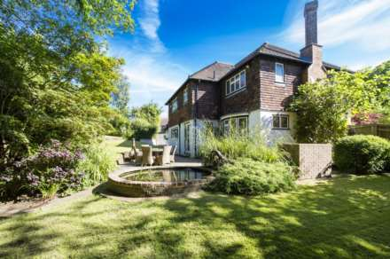 4 Bedroom Detached, Harland Way, Southborough/Bidborough Borders