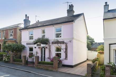 5 Bedroom Detached, Vale Road, Southborough