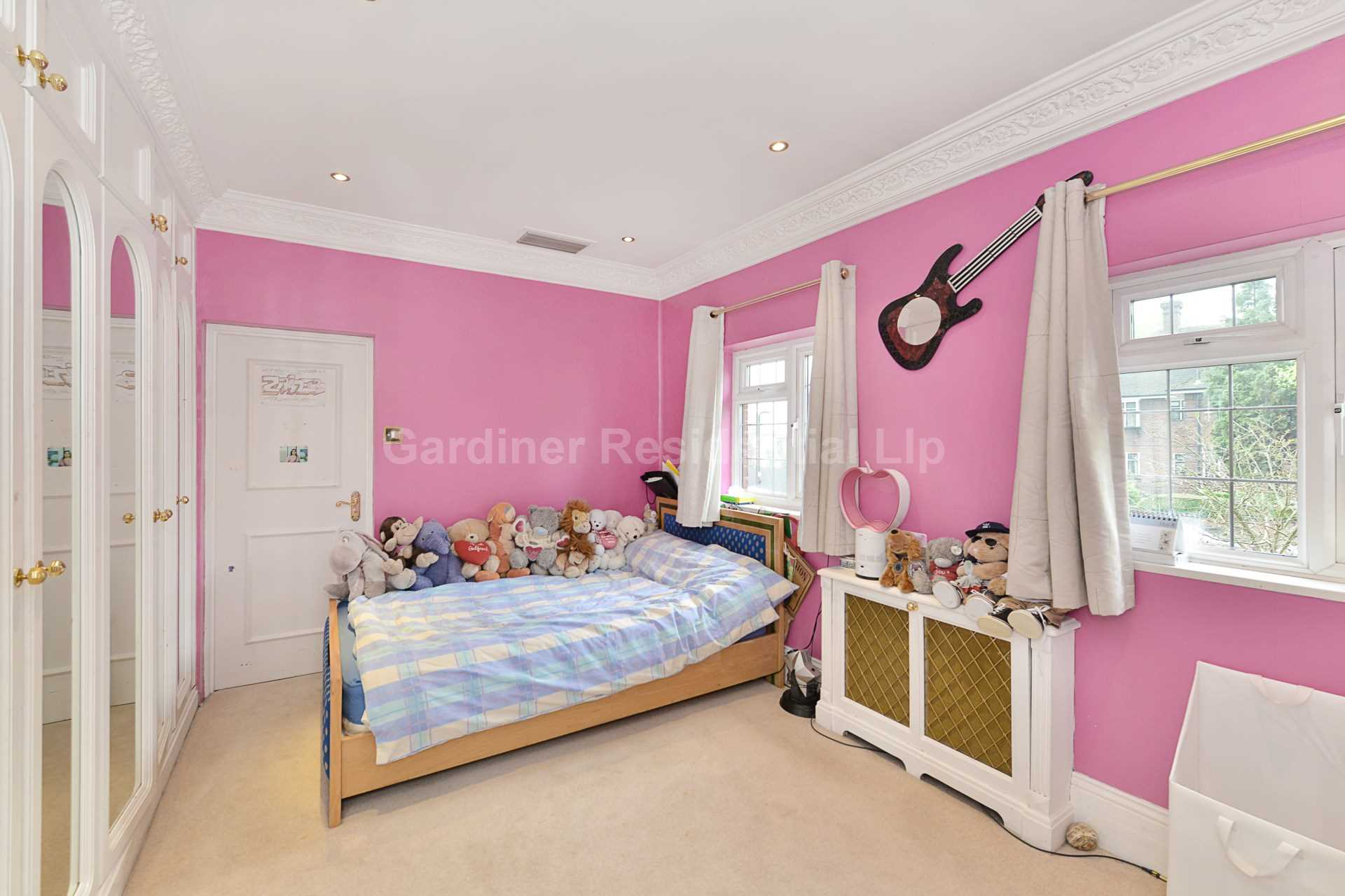 http://www.brightlogic-estateagents.co.uk/GARD/upload//4-16.jpg