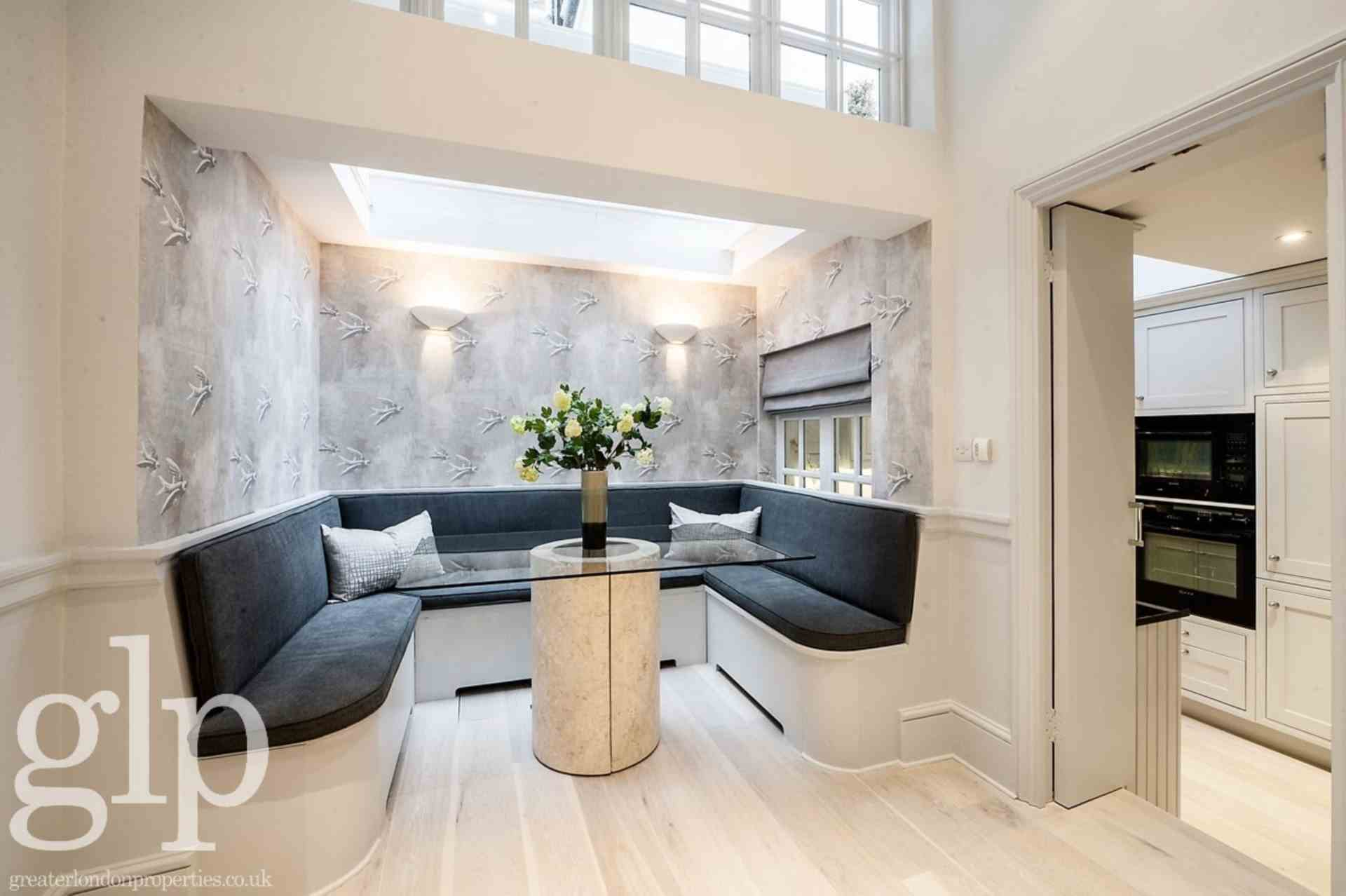 2 Bedroom Town House, Pavillion Road, Knightsbridge