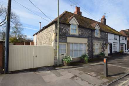 4 Bedroom Cottage, The Street, Crowmarsh Gifford