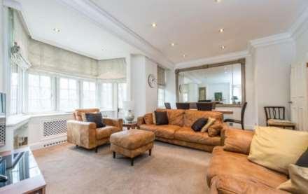 3 Bedroom Flat, Knightsbridge, Knightsbridge