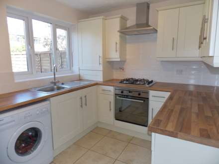 2 Bedroom Terrace, Widgeon Close, Canning Town