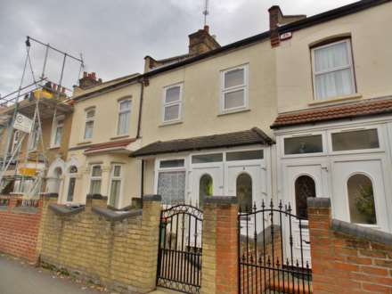 4 Bedroom Terrace, Boundary Road, Plaistow