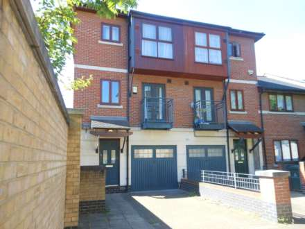 3 Bedroom End Terrace, Holyrood Mews, Royal Victoria Docks