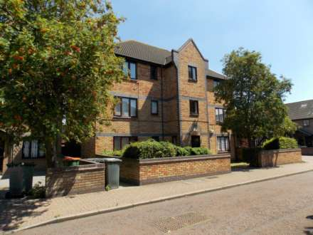 1 Bedroom Apartment, Bracken Close, Beckton