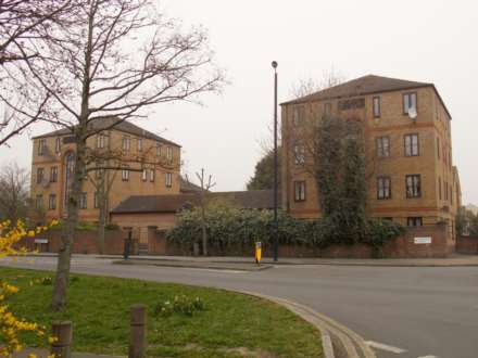 1 Bedroom Apartment, Tollgate Road, Beckton