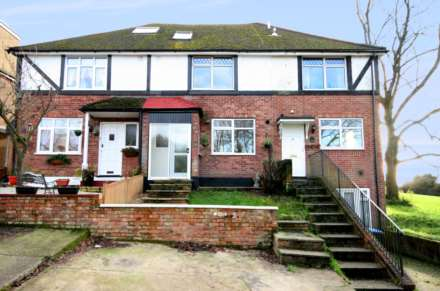 4 Bedroom Terrace, Adeyfield