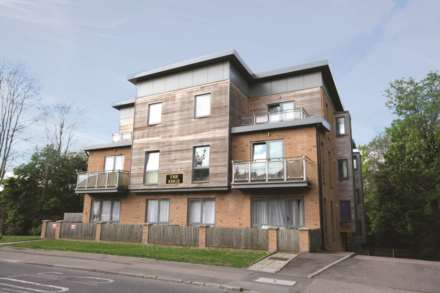 2 Bedroom Apartment, Apsley Borders