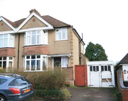 3 Bedroom Semi-Detached, Bargrove Avenue, Boxmoor