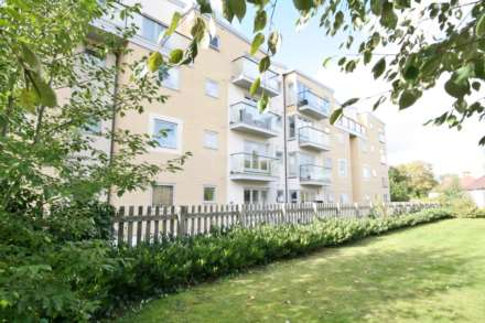 2 Bedroom Apartment, Town Centre