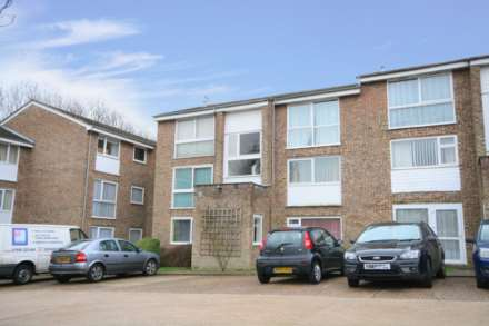 1 Bedroom Flat, Woodhall Farm