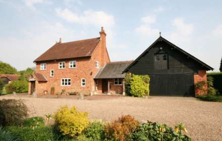 5 Bedroom Detached, Bovingdon