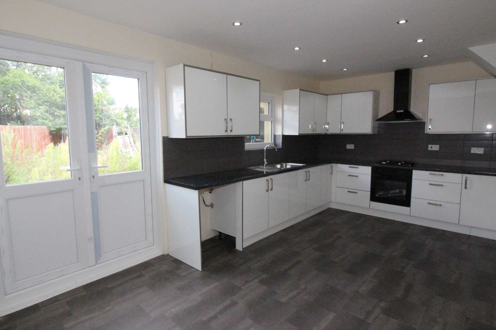 Hot New Property To Let In Thurnby Lodge LE5 !!