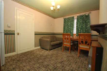4 Bedroom Semi-Detached, Lancaster Place, Leicester
