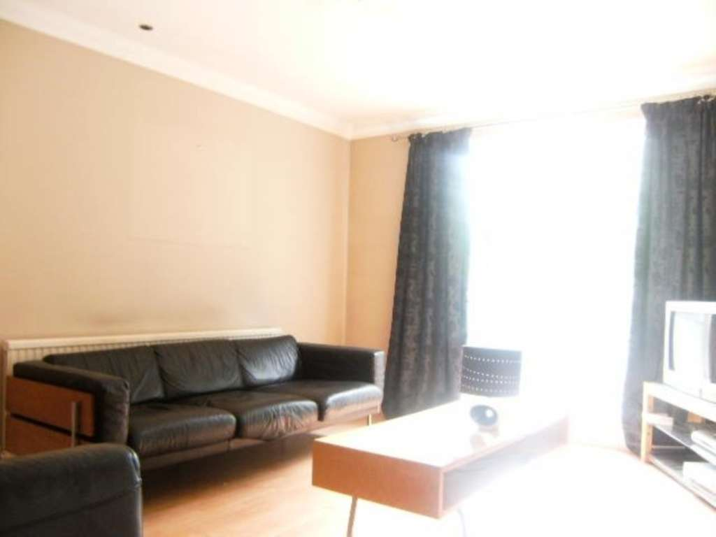 JP Hay Lettings - 2 Bedroom Apartment, Central Avenue