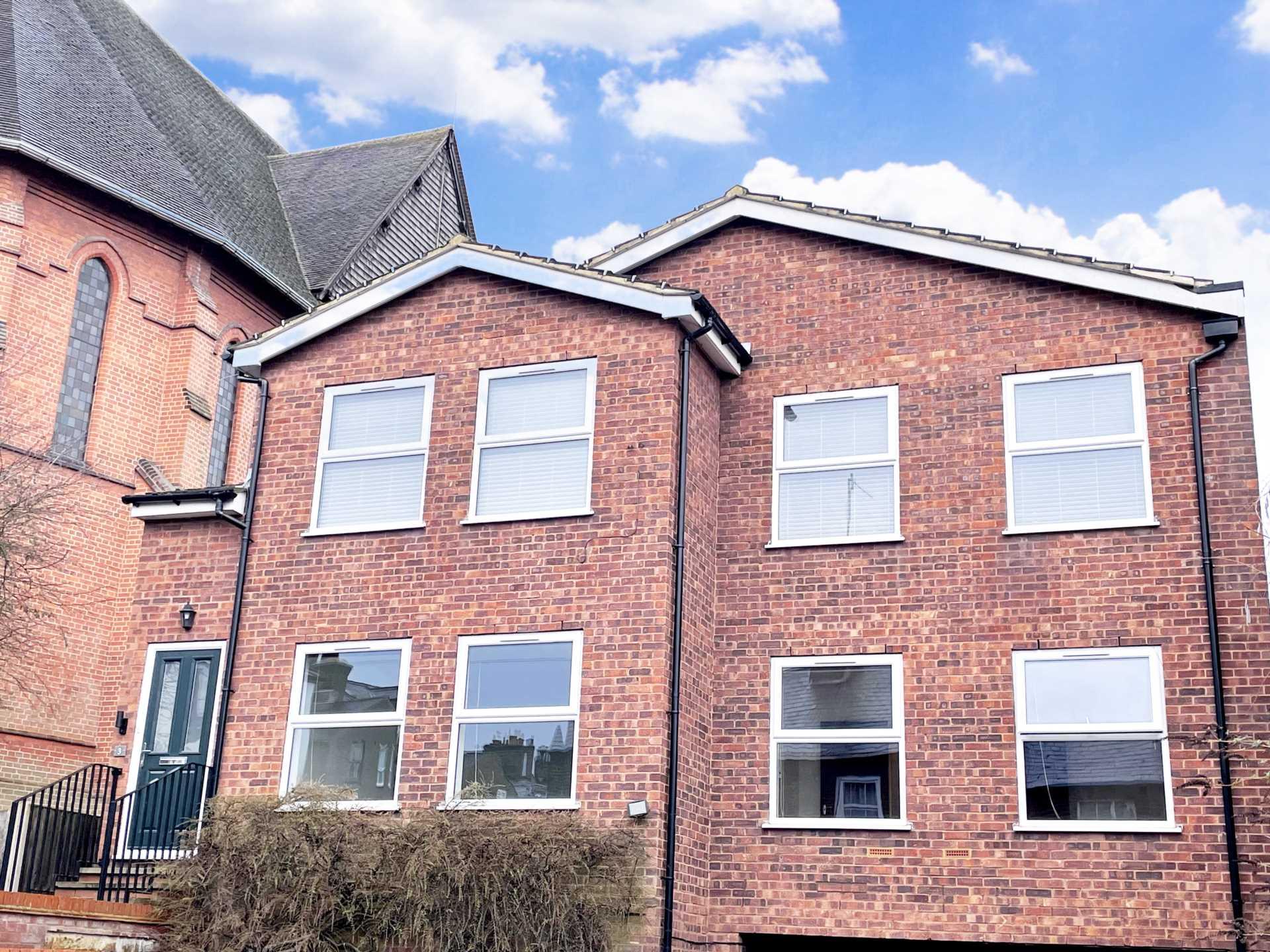2 Bedroom Apartment, Cross Oak Road, Berkhamsted.